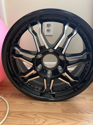 "18"" black silver rim for Sale in La Vergne, TN"