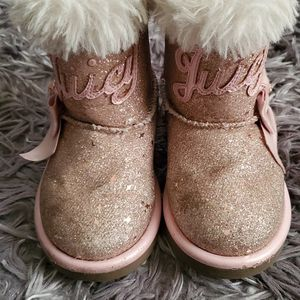 🎀Juicy Couture little girl boots🎀 Size 6 for Sale in Los Angeles, CA