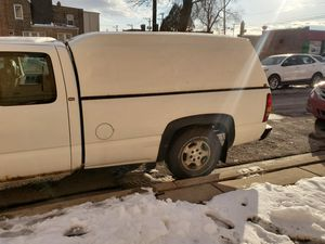 Chevy silverado 2001 v8 4,3. 122ooo mlls for Sale in Chicago, IL