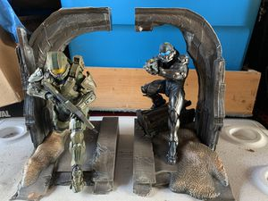 Halo 5 statue for Sale in Oregon City, OR