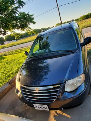 Mini van TOWN AND COUNTRY 2007 for Sale in Saginaw, TX
