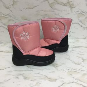 Toddler Girls snow boots with Velcro Closure size 10 for Sale in Gardena, CA