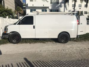 Chevy express 2008 for Sale in Miami, FL
