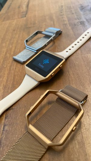 Fitbit Blaze + 2 mesh bands + charger for Sale in View Park-Windsor Hills, CA