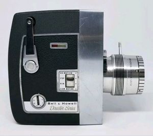 Vintage Bell & Howell Director Series Zoomatic 8mm Movie Camera Model 424 for Sale in Spring Hill, FL