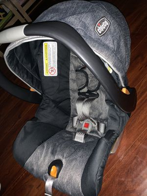 Gray Chicco Car Seat for Sale in Redwood City, CA