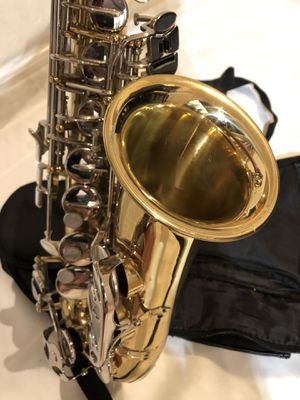 Selmer AS300 USA Alto Saxophone Everything works great Used like new Excellent condition for Sale in Fremont, CA