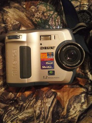 Sony 1.2. Fd mavica mega pixels camera for Sale in Spring Hill, FL