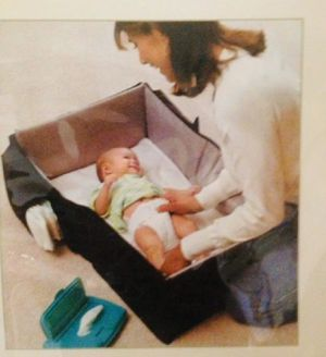SAMSONITE BABY CHANGING STATION/ Portable CRIB for Sale in Renton, WA