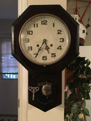 Antique wall clock for Sale in Newport, NC