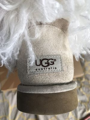 Lady UGGS Size 8 for Sale in Fort Washington, MD