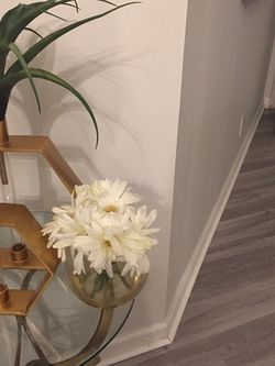 Beautiful 2 Vase Flower for Sale in Miramar,  FL