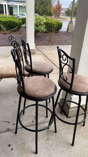 3 bar stools for Sale in Florissant, MO