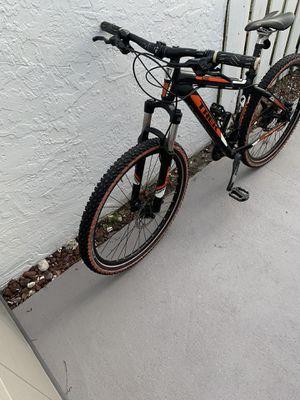 Trek 4300 mountain bike for Sale in Hialeah, FL