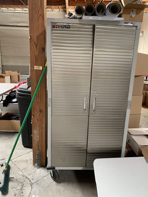 Garage cabinet for Sale in Corona, CA