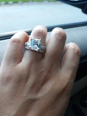 Size 8 REAL SILVER WHITE CZ RING DE PLATA for Sale in Houston, TX