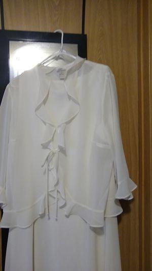 Beautiful White Chiffon 2 PC dress for Sale in Tacoma, WA