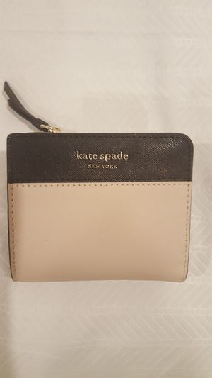 Kate Spade Cameron Small L Zip Bifold Warmbeige Black for Sale in Vienna, VA