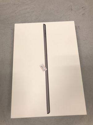 iPad 7th gen WiFi + cellular 32gb for Sale in Clovis, CA