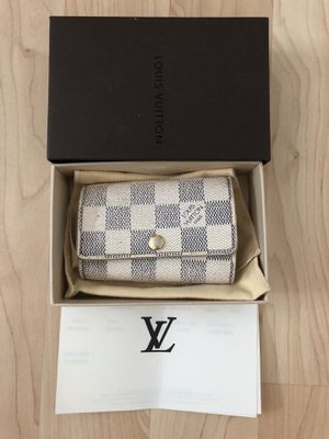 Louis Vuitton 6 Key Holder for Sale in San Diego, CA
