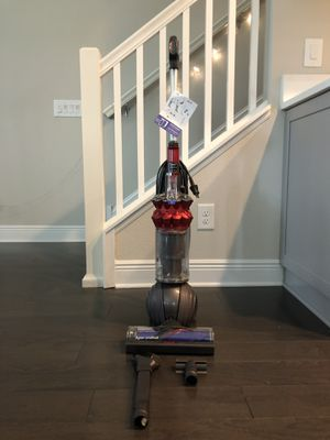 Dyson small ball multi-floor upright vacuum for Sale in Tampa, FL