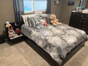 Queen size bedroom set for Sale in Bothell, WA