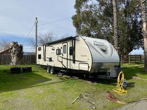 2017 Freedom Express 29SE Bunkhouse Trailer for Sale in Fairfield, CA