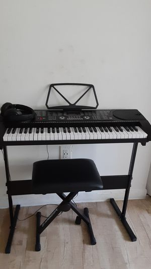 Keyboard musical great condition for Sale in Boca Raton, FL