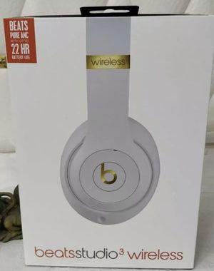 Beats by Dr. Dre Studio3 Wireless Headphones- White for Sale in Corona, CA