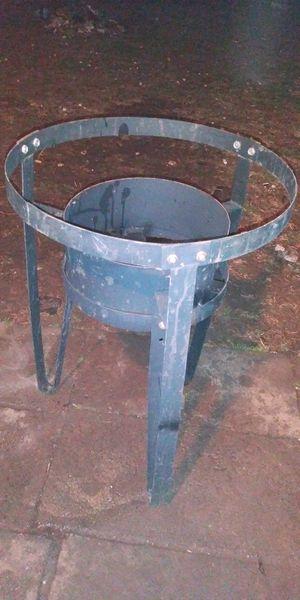Parrilla de cuatro pies de alto for Sale in Oklahoma City, OK
