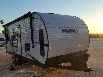 2021 New Rush 24ft Toy Hauler , Fits 4 Seat Razor for Sale in San Bernardino,  CA