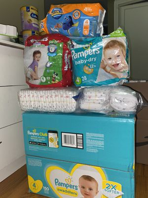 Pampers size 4 bundle for Sale in Queens, NY