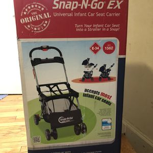 New Snap-n-go ex infent car seat strolle for Sale in Englewood, NJ