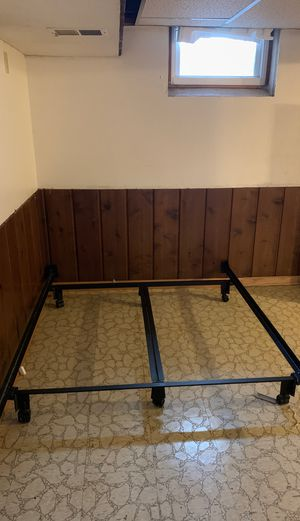 Metal bed frame for Sale in Bloomington, MN