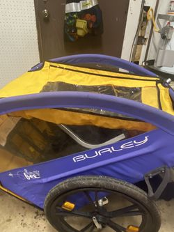 Burley Bee Bike Trailer for Sale in Ramona,  CA
