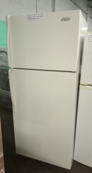 WHIRLPOOL TOP FREEZER FRIDGE 28 IN WORKING PERFECT for Sale in Baltimore, MD