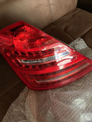 Mercedes benz s class part light for Sale in Glendale, CA