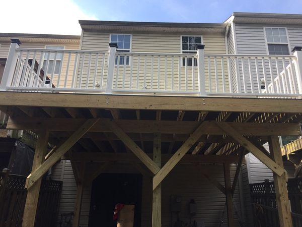New deck composite and vinyl railings
