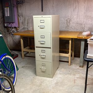 Free Metal File Cabinet for Sale in Chelmsford, MA