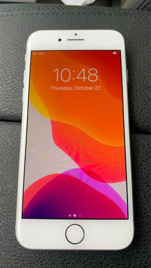 iPhone 8 64gb Unlocked for Sale in Englewood Cliffs, NJ