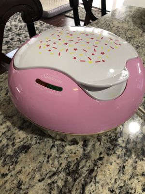 Kitchen appliances by Sunbeam cupcake baker for Sale in Hanover, MD