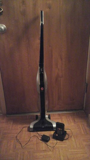 Hoover kind vacuum cleaner with charger for Sale in Boston, MA