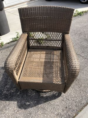 Martha Stewart outdoor patio swivel chair and rocker for Sale in Huntington Beach, CA