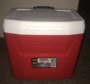 IGLOO WHEELED COOLER for Sale in Fresno, CA