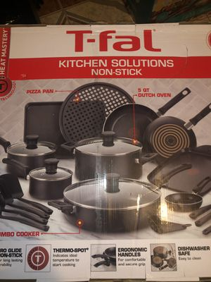 T-fal Kitchen Solutions 22 Piece Nonstick Cookware Set for Sale in Riverdale, GA