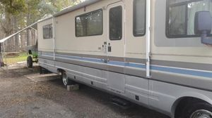 91 pace arrow gas 460 RV $3,000. Cash or trade for a full size SUV or 4door truck. for Sale in Mount Dora, FL