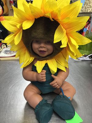 Anne Geddes Baby in a Sunflower Costume for Sale in Matawan, NJ