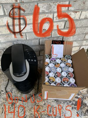 Working Keurig B40 single cup coffee maker with 140 k-cups for Sale in Glen Carbon, IL