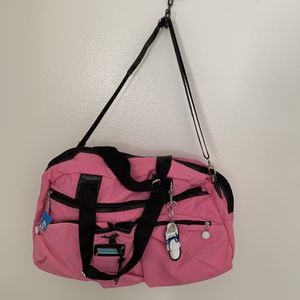 "Sydney Love pink golf duffle bag with charms 21X12x9"" New for Sale in Phoenix, AZ"