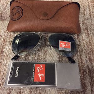 Brand New Authentic Aviator Sunglasses for Sale in Miami, FL